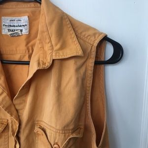 Vintage yellow sleeveless button up